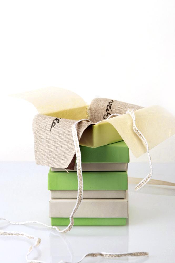 Two-colored squared boxes for jewels _ maschio gioielli milano (6)