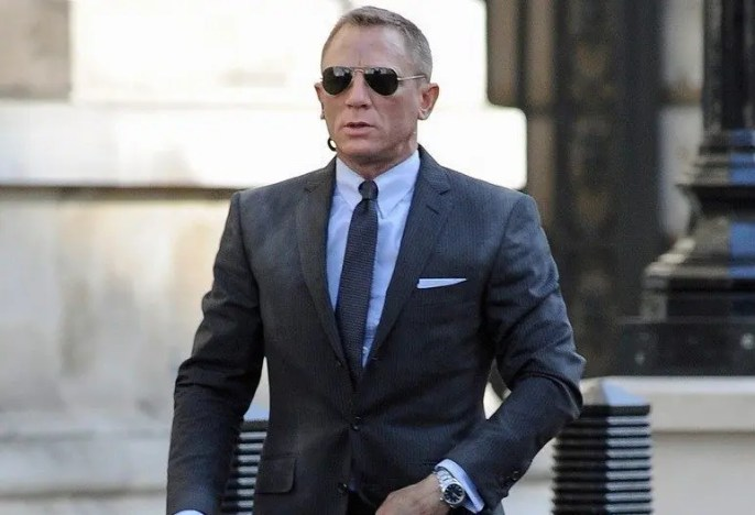 daniel craig workout routine masculine development