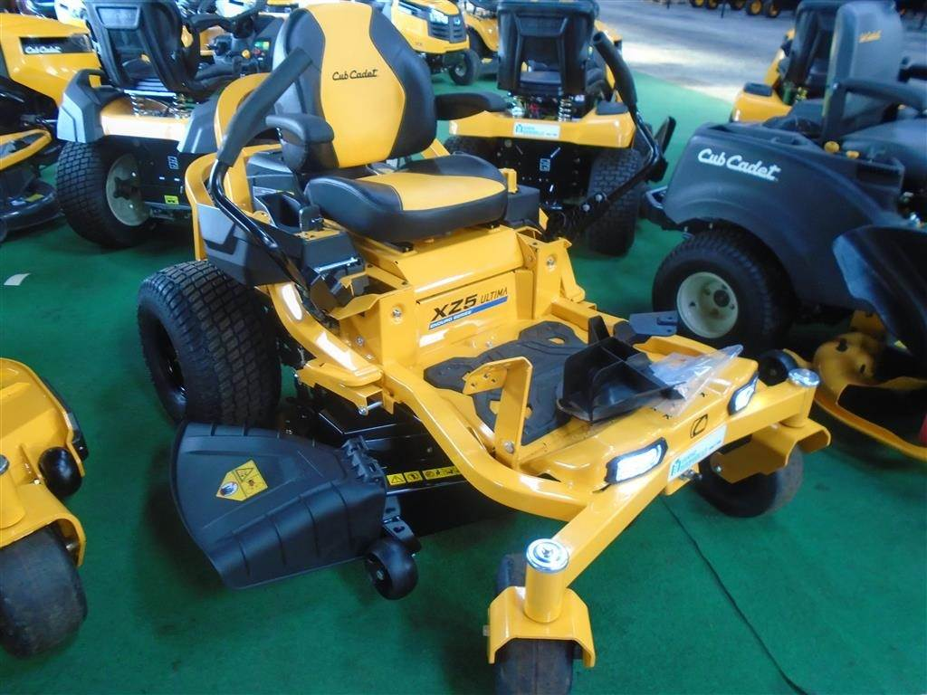 Used Cub Cadet xz1-127 compact tractors Year: 2018 Price