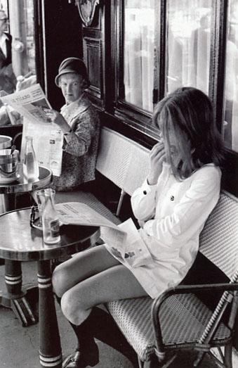 Henry Cartier Bresson, Caffè parigino, 1969