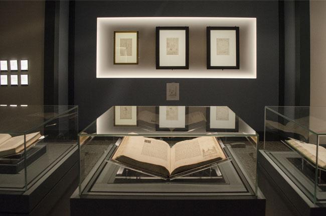 Trattati d'architettura e fogli di Leonardo in Mostra. Foto: Sabina Colombo per Skira