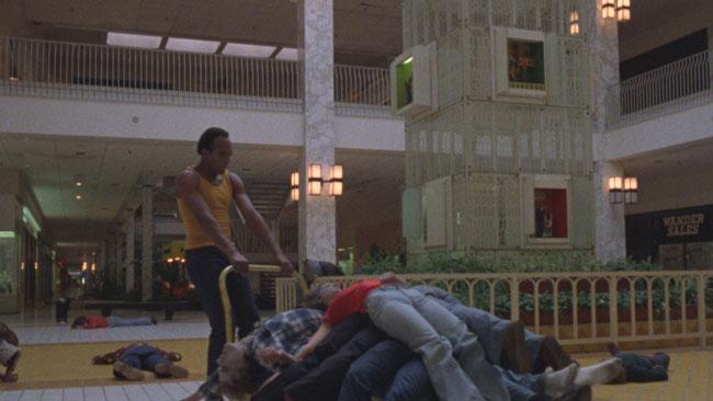 Una scena del film Zombi - Photo: courtesy of Midnight Factory
