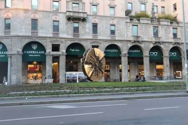 Pomodoro a Milano_piazza Meda