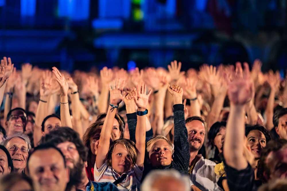 il pubblico di Piazza Grande il 1 agosto - Photo credits Locarno Festival/ Marin Mikelin