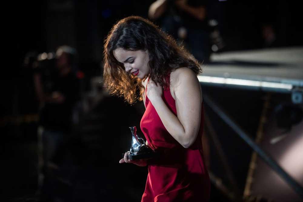 vincitori del locarno festival 2018 miglior attrice Andra Guți per ALICE T.- Photo Locarno Festival Samuel Golay