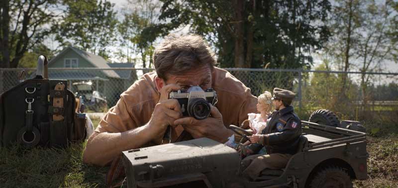 una scena del film Benvenuti a Marwen - Photo: curtesy of Universal Pictures