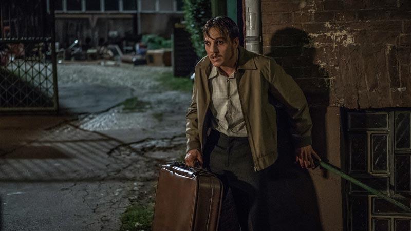Jonas Dassler in una scena del film The Golden Glove © Gordon Timpen / 2018 bombero int./Warner Bros. Ent.