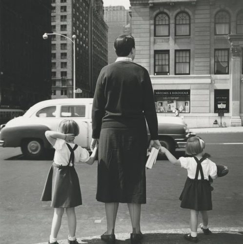 Vivian Maier, Untitled, 1954, New York ©Estate of Vivian Maier, Courtesy of Maloof Collection and Howard Greenberg Gallery, NY