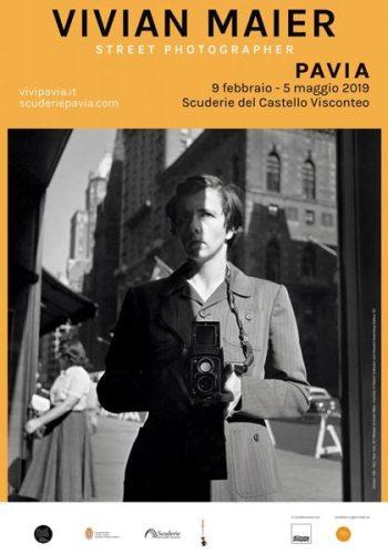 La locandina della mostra Vivian Maier Street Photographer al Castello di Pavia