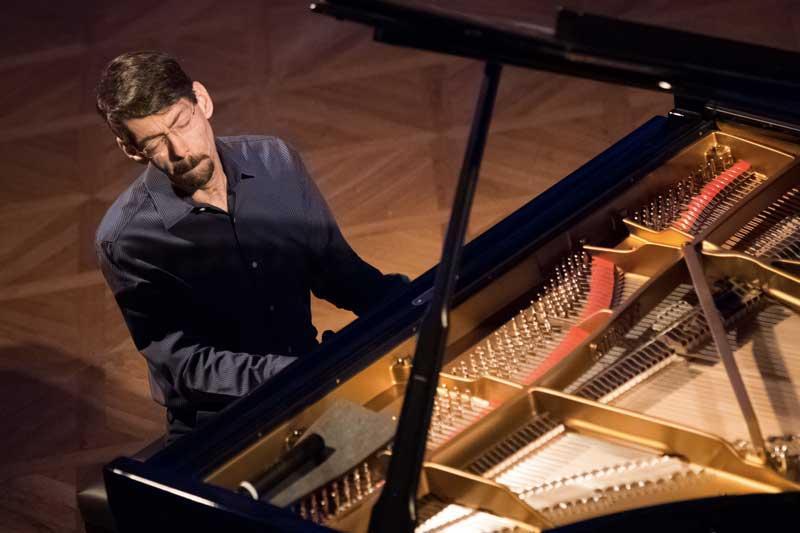 Fred Hersch al piano - Photo by Martin Zeman