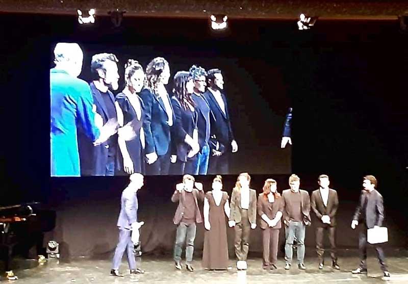 Gli attori che hanno letto i brani dei romanzi finalisti con i conduttori Luca e Paolo - Photo: Sarah Pellizzari Rabolini