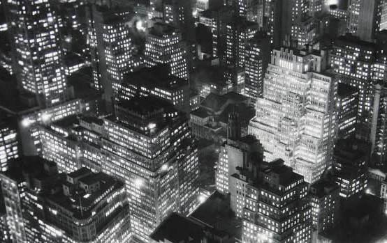 Berenice Abbott,Nightview, New York, 1932 © Berenice Abbott/ Getty Images