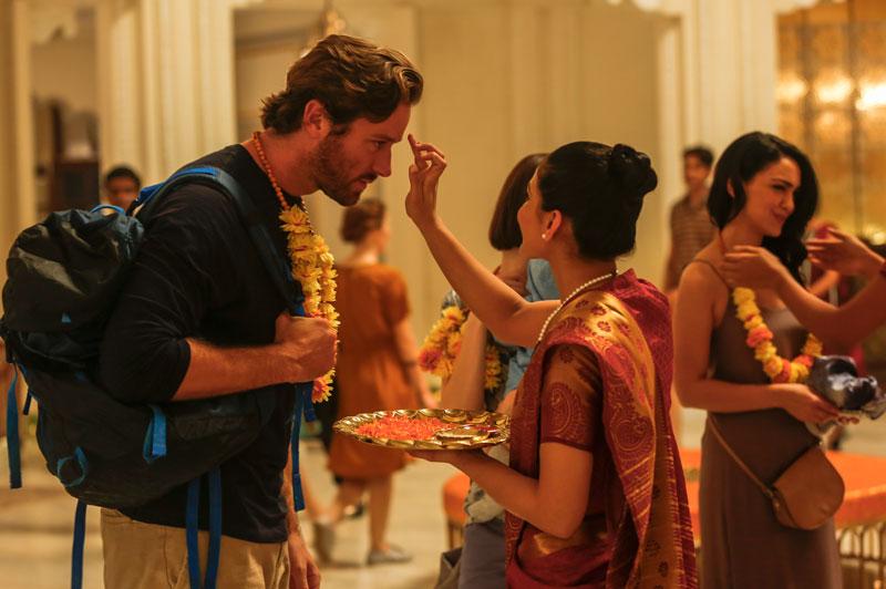 Armie Hammer in una scena del film Hotel Mumbai - Photo: courtesy of M2 Pictures