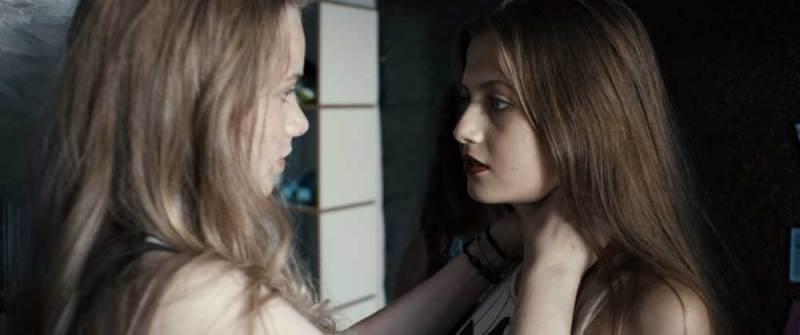 il film blue my Luna Wedler e Zoë Pastelle Holthuizen nel film Blue my Mind - Photo: courtesy of Wanted Cinema: Mia e Gianna