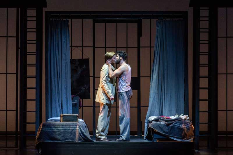 Una scena del musical Il Bacio della Donna Ragno - Photo by Rocco Casaluci