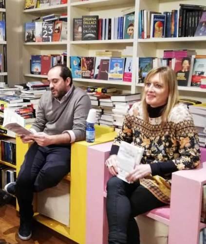 Gianluca Pomo e Sarah Pellizzari Rabolini alla presentazione milanese del romanzo - Photo by Sarah Pellizzari Rabolini