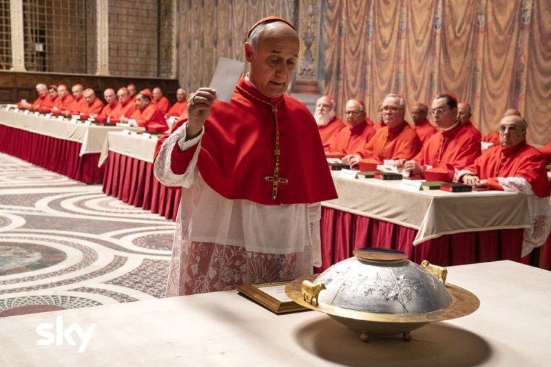 Una scena di The New Pope nella Cappella Sistina. Photo credit: Gianni Fiorito.