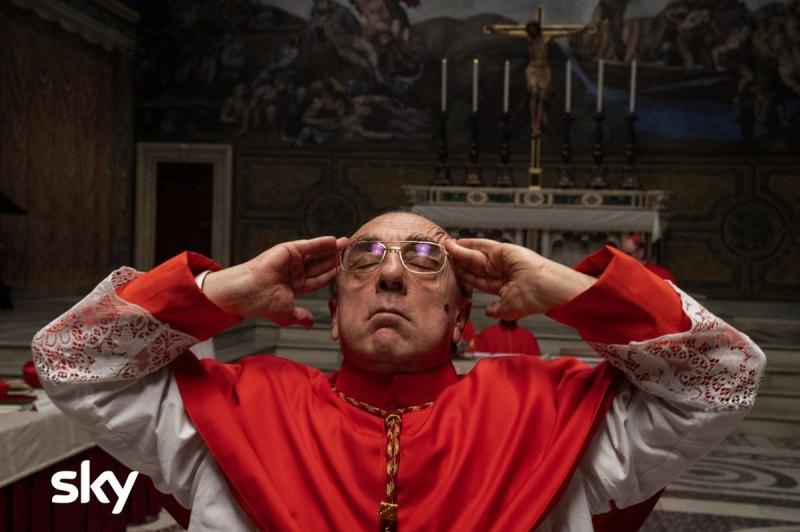 The New Pope episodi 1 e 2 Silvio Orlando è il Cardinal Voiello in The New Pope. Photo: Gianni Fiorito