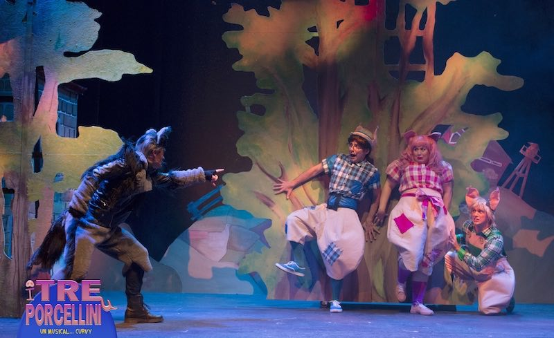 I tre porcellini un musical curvy-Chi ha paura del Lupo