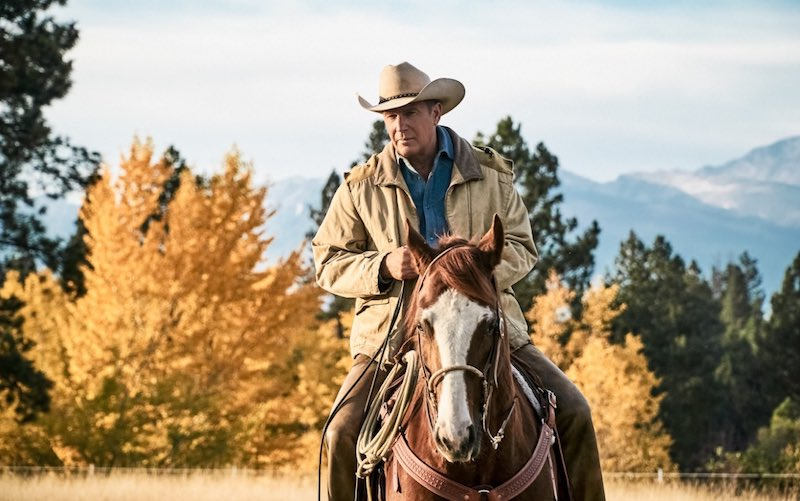 Kevin Costner è John Dutton in YELLOWSTONE