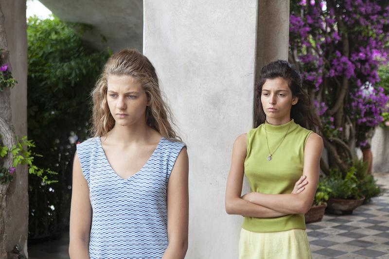 Margherita Mazzucco (Elena) e Gaia Girace (Lila) in una scena de L'Amica Geniale 2. Foto di Eduardo Castaldo.