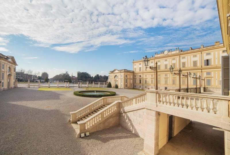 Villa Reale, cortile d'onore. Foto di Mario Donadoni © Archivio Consorzio Villa Reale e Parco di Monza