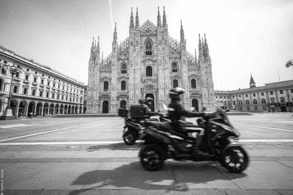 IO MILANO, Carabinieri Piazza Duomo © Carlo Mari