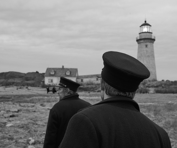 Una scena del film The Lighthouse. Photo: courtesy of Universal Pictures.