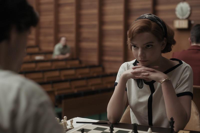 ANYA TAYLOR-JOY in una scena della miniserie La Regina degli Scacchi. Cr. COURTESY OF NETFLIX © 2020
