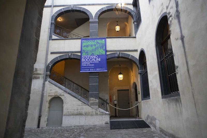 L'ingresso della mostra La ragione nelle mani di Stefano Boccalini alla Maison Tavel © Christian Tasso.