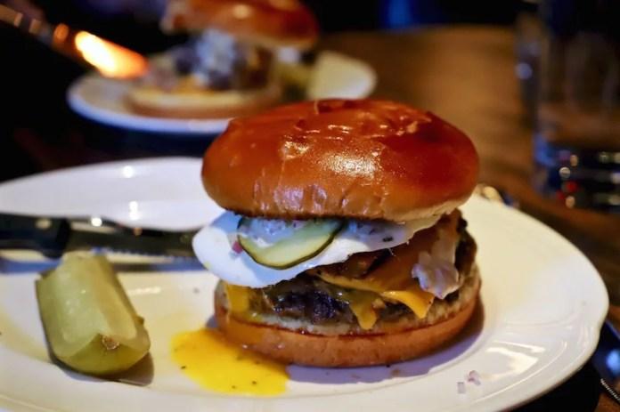 Au Cheval Hamburger