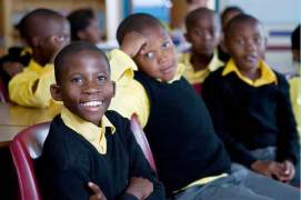 Enthusiastic students in Ukhanyo School's 'English Lab'