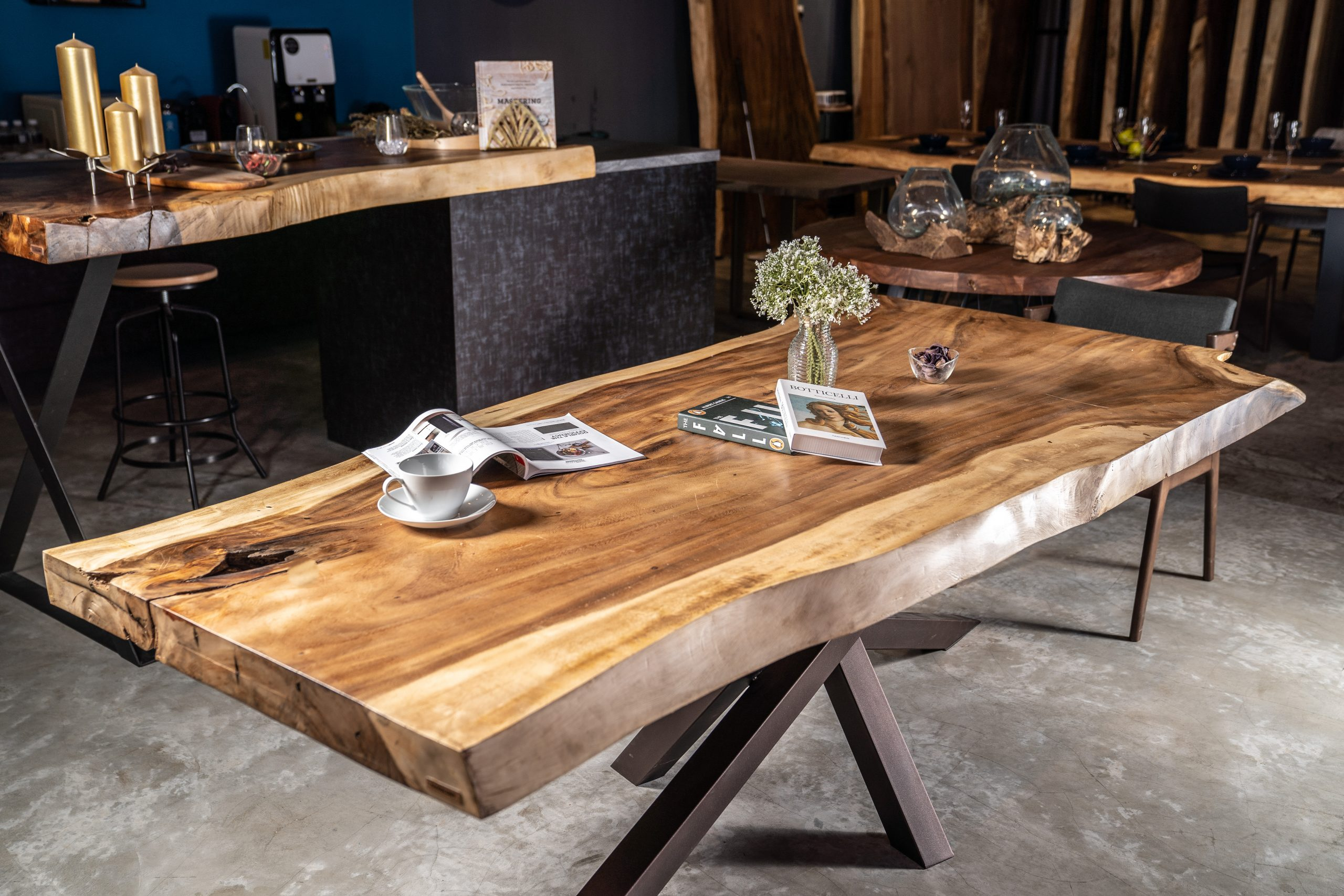 suar wood dining table