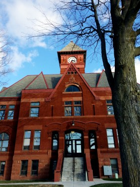 mason_county_courthouse_winter_vertical