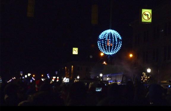 ludington_ball_drop_new_year_2015