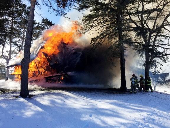 house_fire_custer_scottville_schoenherr_branch_02-14-16