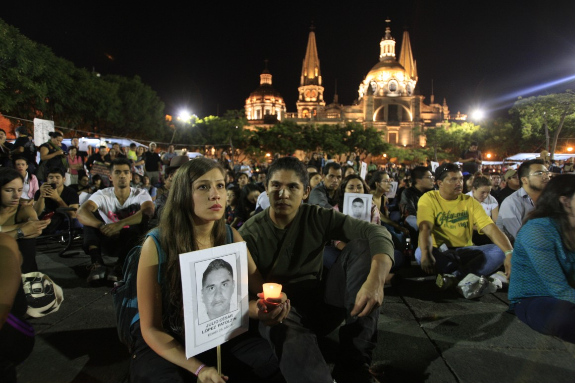 marcha ayotzinapa2 H