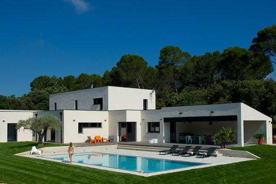 Constructeur maison contemporaine  Mas Provence constructeur de maison individuelle Provence