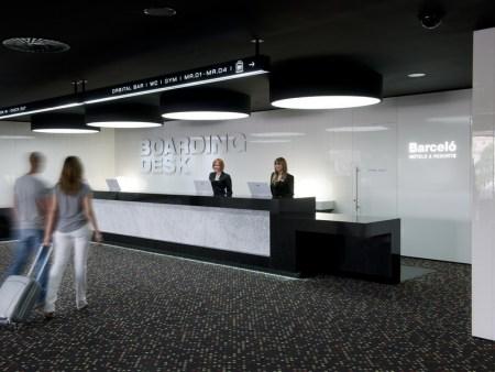 boarding desk hotel sants barcelo