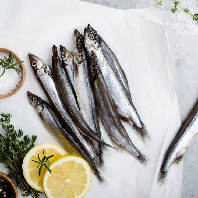 mercurio y pescado peligroso fresco