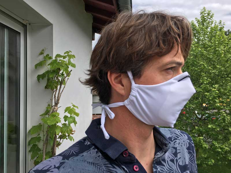 Masque en tissu avec recharge filtrante