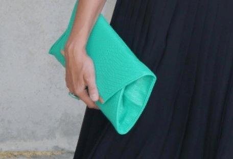 cartera azul verdeosa