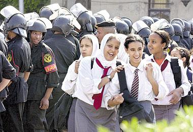 التحقيق مع مديرة مدرسة جمال عبد الناصر التجريبية بالدقي