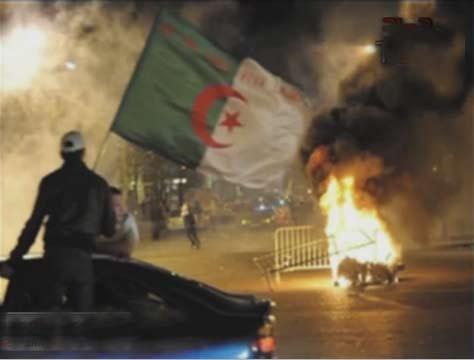 فضيحة رشوة مسئوليين جزائريين لطرد الاستثمارات المصرية | احداث مباراة مصر والجزائر