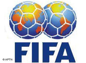 الفيفا تهدد بإلغاء مباراة مصر والجزائر