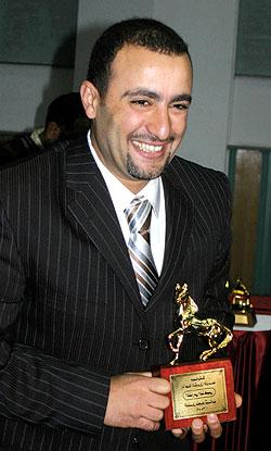 مرض احمد السقا منعه من رد الجائزة الى الجزائر