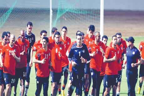 شحاتة ينوي ترويض الاسود في مباراة مصر والكاميرون اليوم