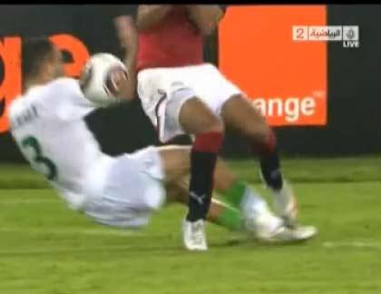 احمد موسى : حكم مباراة مصر والجزائر اخطئ بالفعل | فيديو