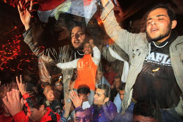 بالفيديو .. احتفالات شعب غزة بفوز مصر على الجزائر  | انجولا 2010