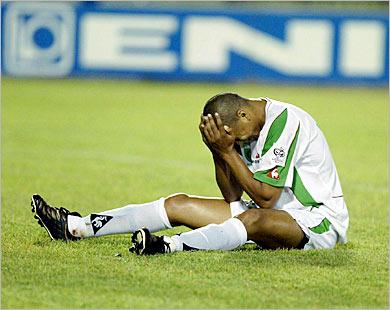 الجزائر خائفة من شيء ما | مشاهدة مباراة الجزائر ونيجيريا | انجولا 2010